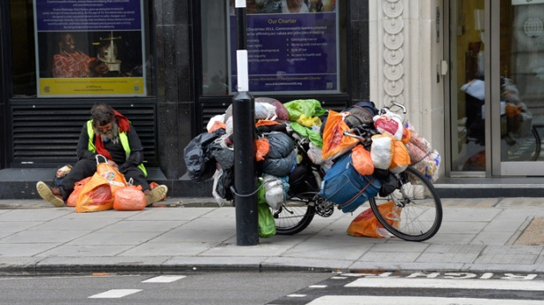homeless.si